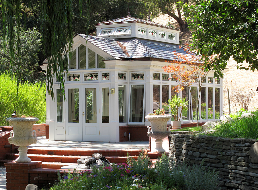 Free standing conservatory by renaissance conservatories for Conservatories and garden rooms
